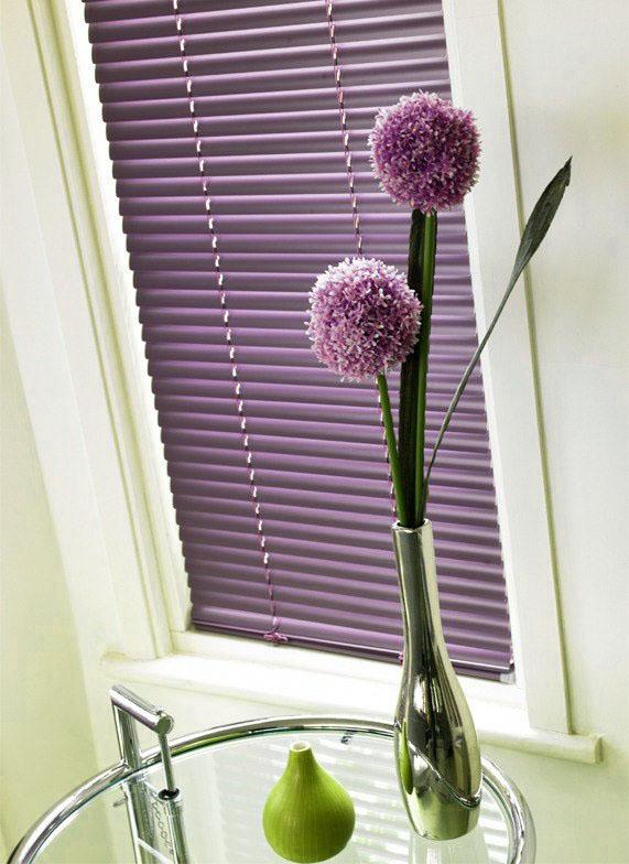 горизонтальные фото жалюзи на окнах