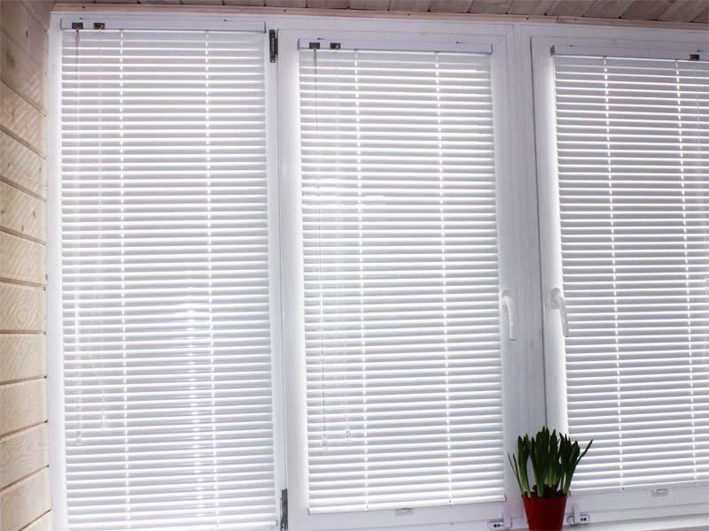 Установка балконных окон цена
